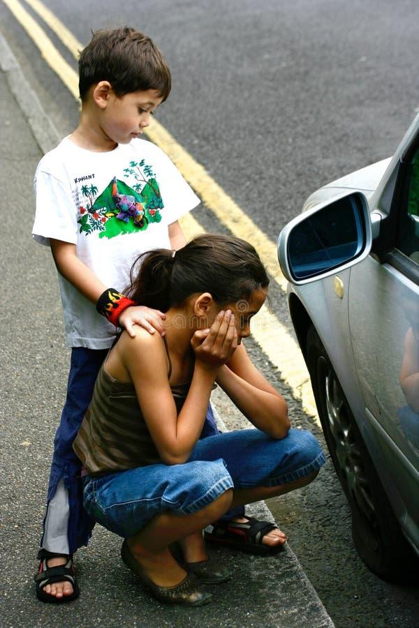 Ajuda de espera da borda da estrada. fotos de stock royalty free
