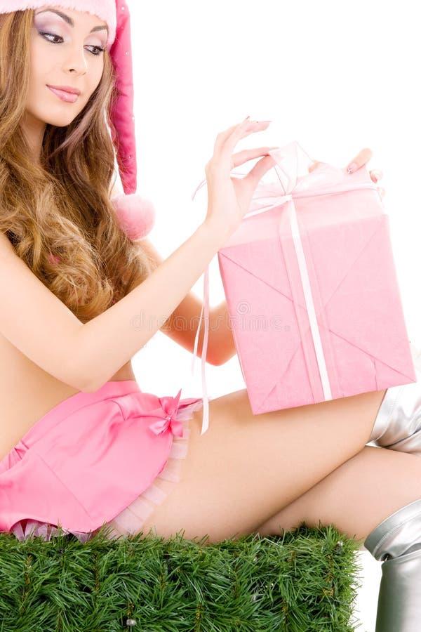Ajudante de Santa com caixa de presente imagem de stock