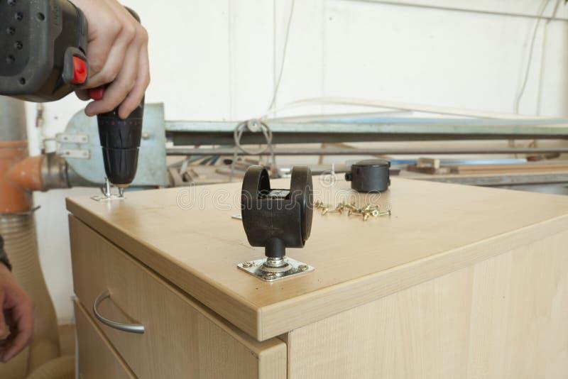 Ajustador da mobília fotografia de stock