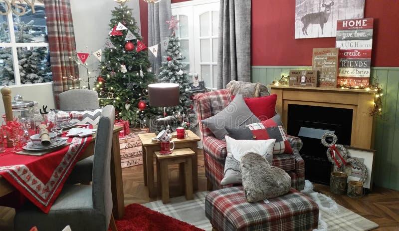 Ajuste confortável da decoração da sala de visitas do inverno do Natal imagem de stock royalty free