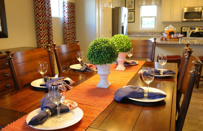 Ajuste da tabela da sala de jantar fotografia de stock royalty free