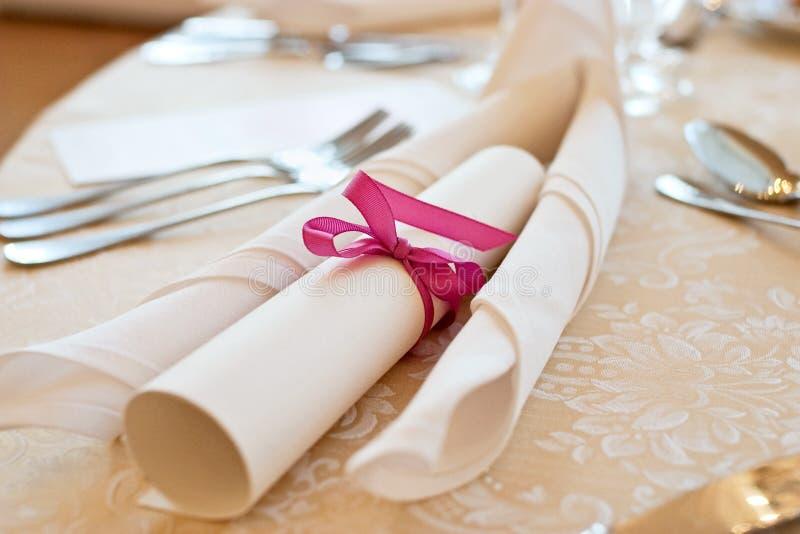 Ajuste da tabela de banquete imagem de stock royalty free