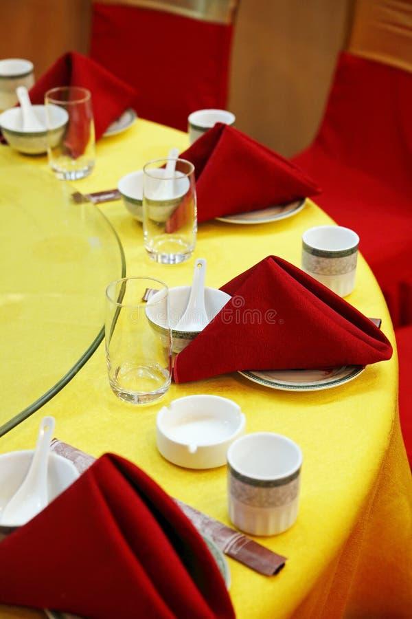 Ajuste da tabela de banquete do casamento. fotos de stock royalty free