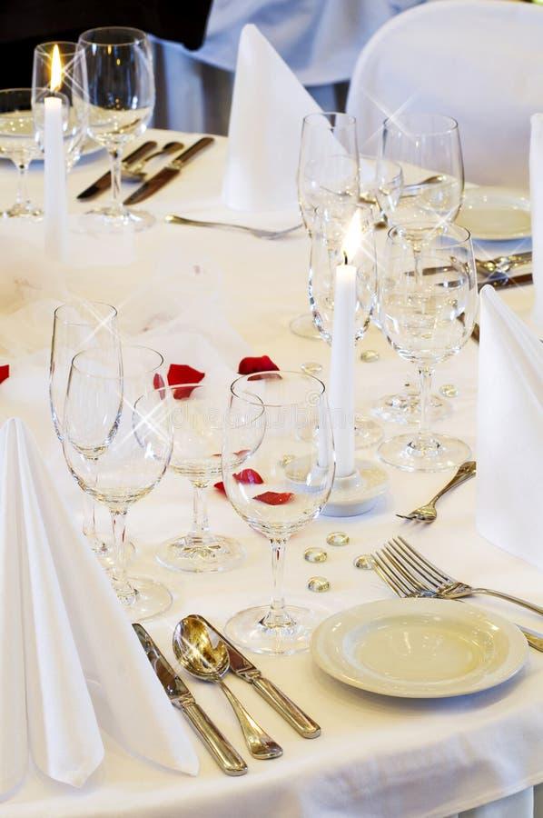 Ajuste da tabela do casamento fotografia de stock royalty free