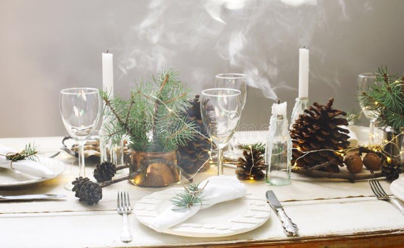 Ajuste da tabela do Natal imagens de stock royalty free