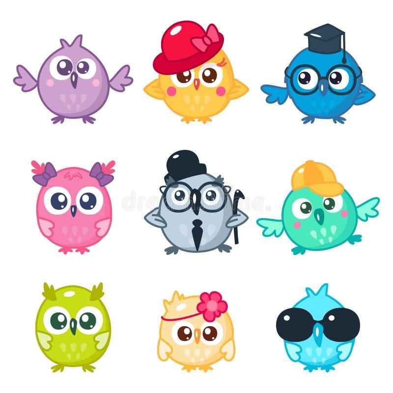 Ajuste das corujas coloridas bonitos com vidros e os chapéus diferentes Emojis e etiquetas do pássaro dos desenhos animados ilustração do vetor