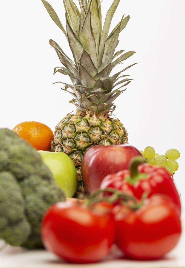 Ajuste das frutas e legumes suculentas brilhantes fotografia de stock royalty free