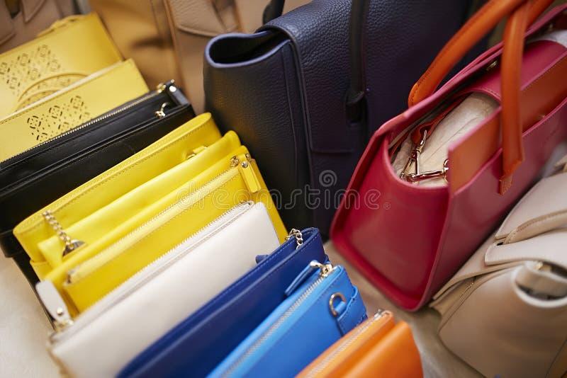 Ajuste de bastidores dos sacos do desfile de moda imagem de stock