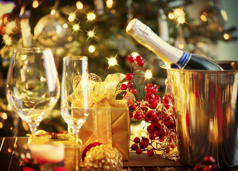 Ajuste de la tabla de la Navidad foto de archivo libre de regalías