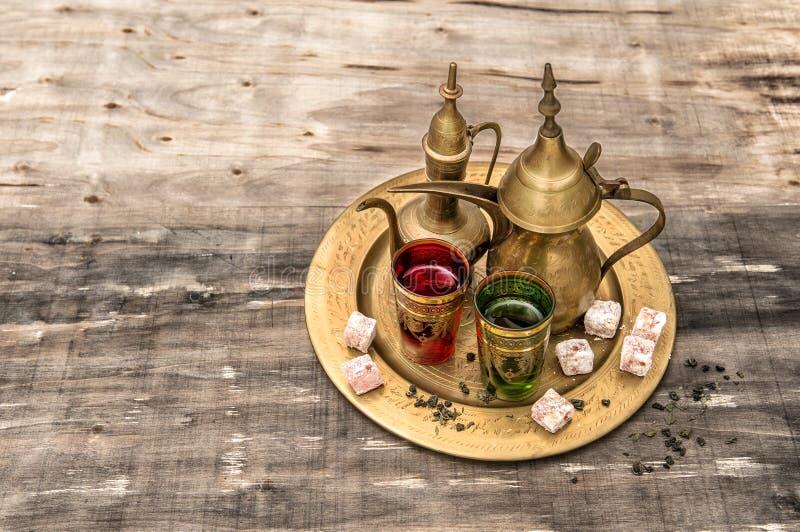 Ajuste de la tabla de té Hospitalidad oriental Eid Mubarak fotos de archivo libres de regalías