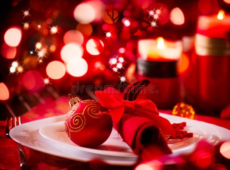 Ajuste de la tabla del día de fiesta de la Navidad imágenes de archivo libres de regalías