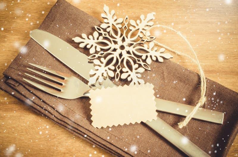 Ajuste de la tabla del invierno Fondo culinario de la Navidad fotografía de archivo
