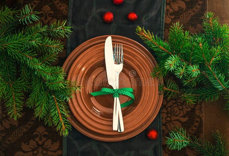 Ajuste de la tabla para la cena stock de ilustración