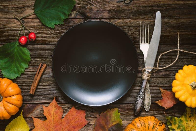 Ajuste de la tabla para la cena de la acción de gracias foto de archivo libre de regalías