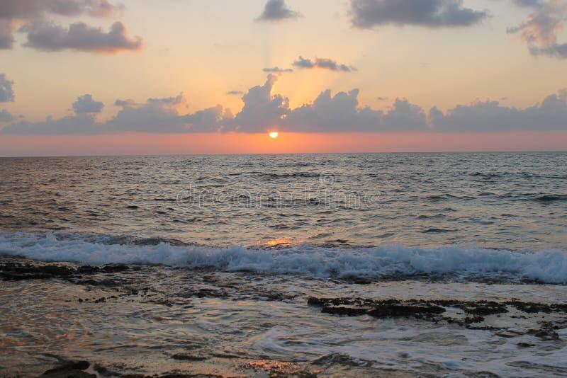 Ajuste de Sun en el mar Mediterráneo foto de archivo libre de regalías