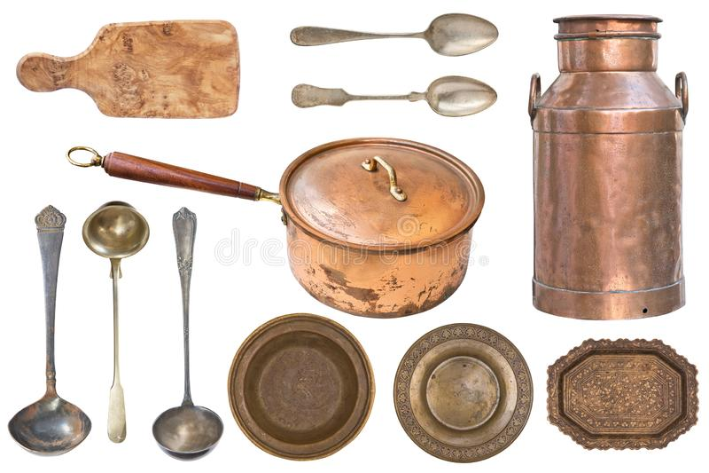 Ajuste do cookware do vintage do cobre e do metal isolado no fundo branco fotos de stock royalty free