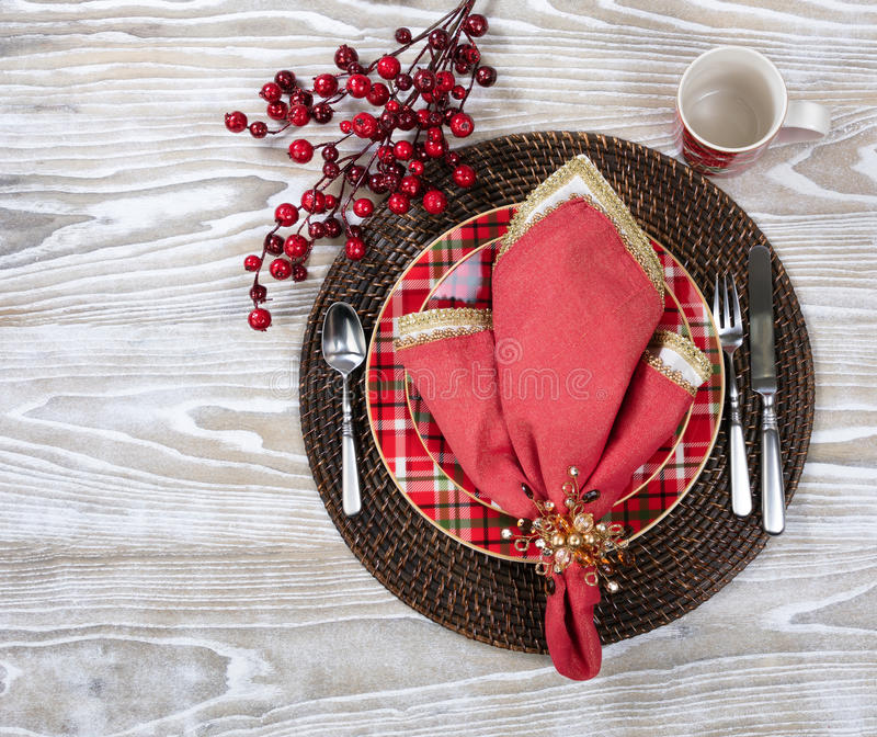 Ajuste do jantar de Natal para a época natalícia festiva no branco fotografia de stock royalty free