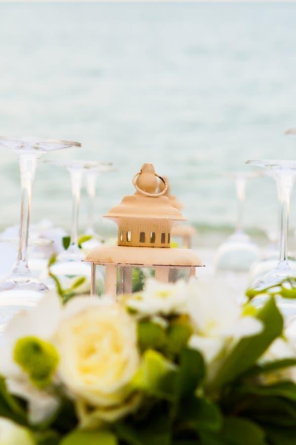 Ajuste elegante da tabela do casamento do banquete fotos de stock royalty free