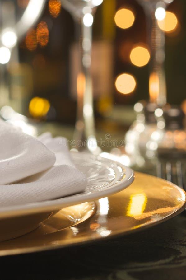 Ajuste elegante do jantar fotografia de stock