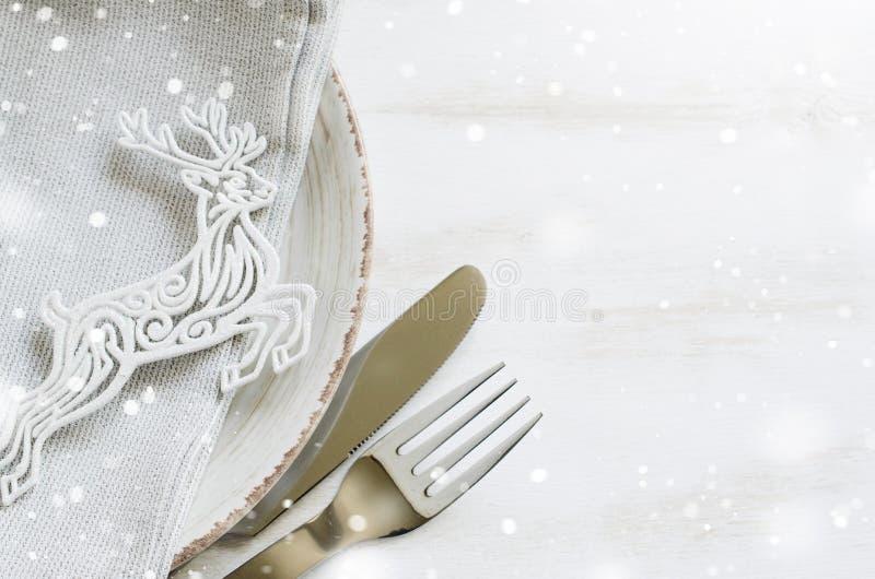 Ajuste festivo da tabela para a Noite de Natal imagens de stock