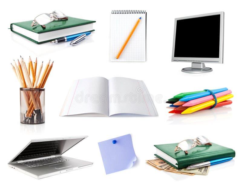 Ajuste pertences do escritório isolados no branco imagens de stock