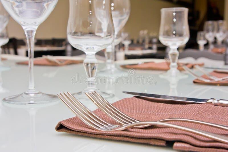 Download Ajuste a tabela foto de stock. Imagem de vidro, restaurante - 16866960