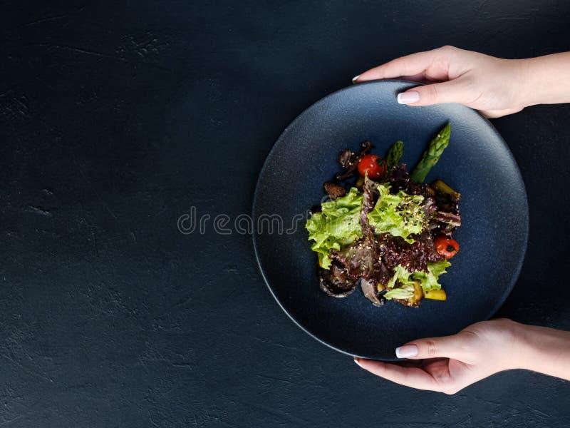 Ajustement sain de salade de perte de poids de repas de nourriture de régime images stock