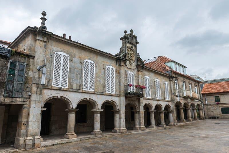 Ajustez dans la vieille ville de Pontevedra en Galicie photos stock