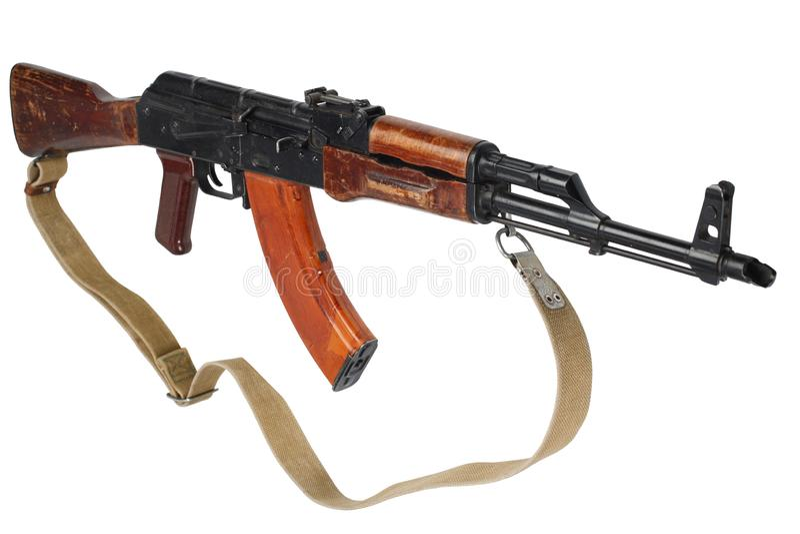 AK - 47 gevär för anfall som (AKM) isoleras på vit arkivbilder