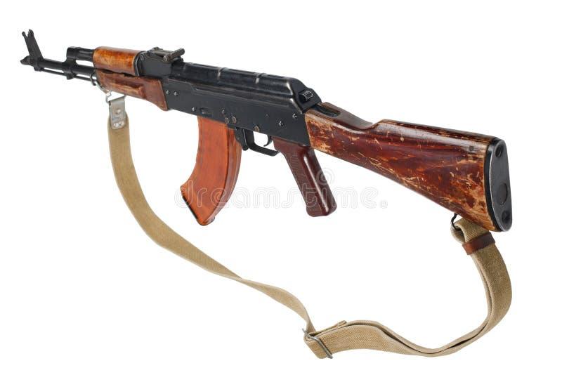 AK - 47 gevär för anfall som (AKM) isoleras på vit royaltyfri fotografi