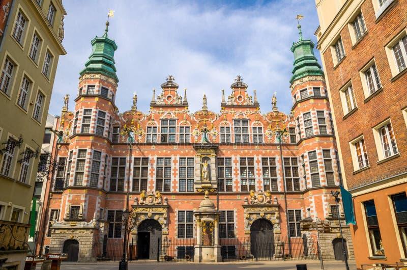 Akademi av den stora arsenalen för konster med att förbluffa fasaden, Gdansk, P royaltyfri bild