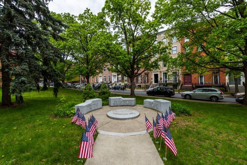 Akademin parkerar bredvid Kapitoliumbyggnad i Albany, New York royaltyfria foton