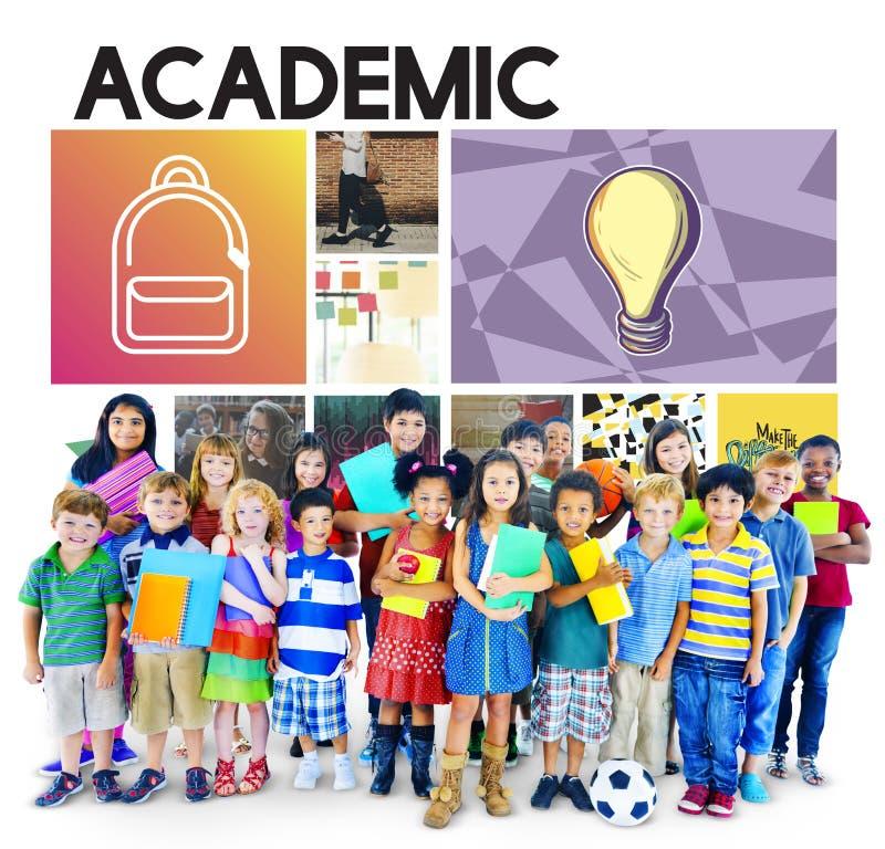 Akademische Bildung, die grafisches Konzept studierend lernt stockfoto
