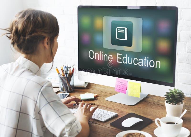 Akademisches E-Learning-Bildungs-Online-Bewerbungs-Konzept stockfoto