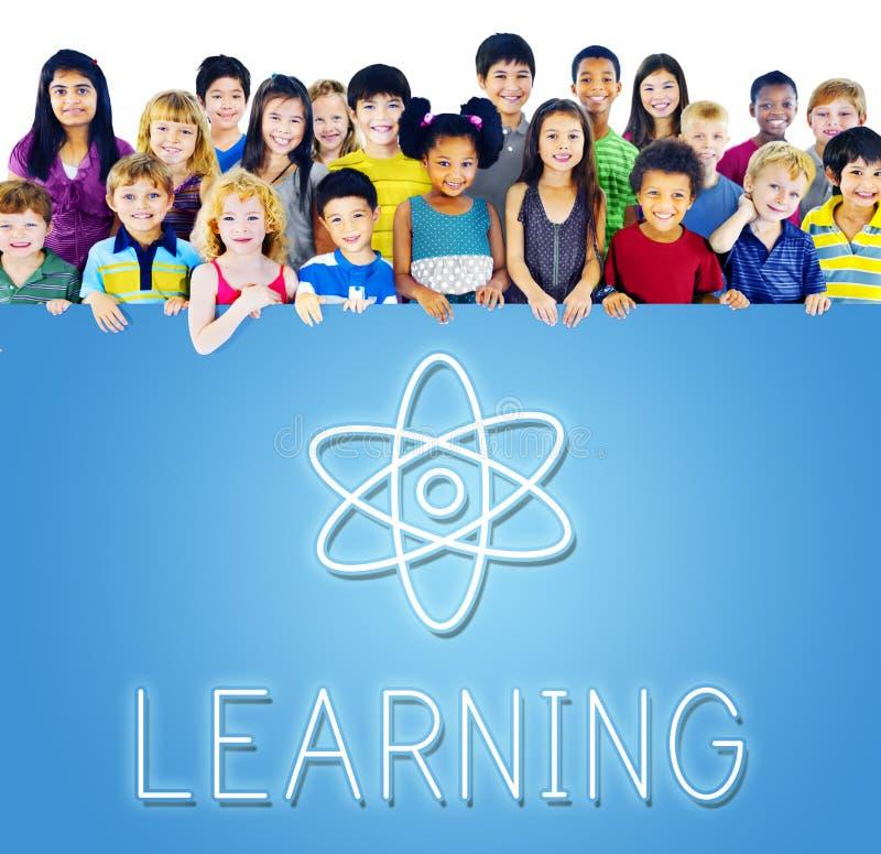 Akademisches Wissens-Klassen-Schulkonzept lizenzfreies stockfoto
