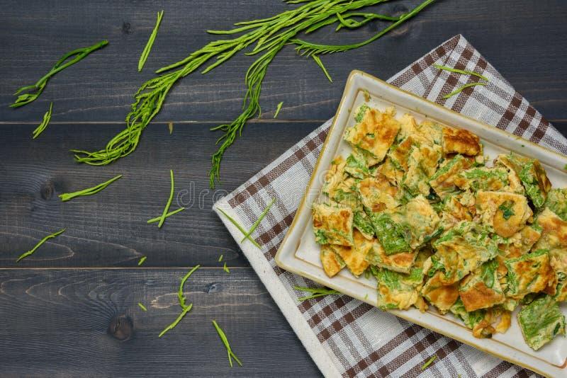 Download Akazie Pennata-Omelett stockbild. Bild von planke, frühstück - 90227253