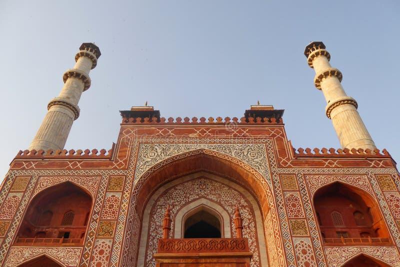 Akbar Tomb en Sikandra, cerca de Agra, estado de Uttar Pradesh, la India septentrional fotos de archivo libres de regalías