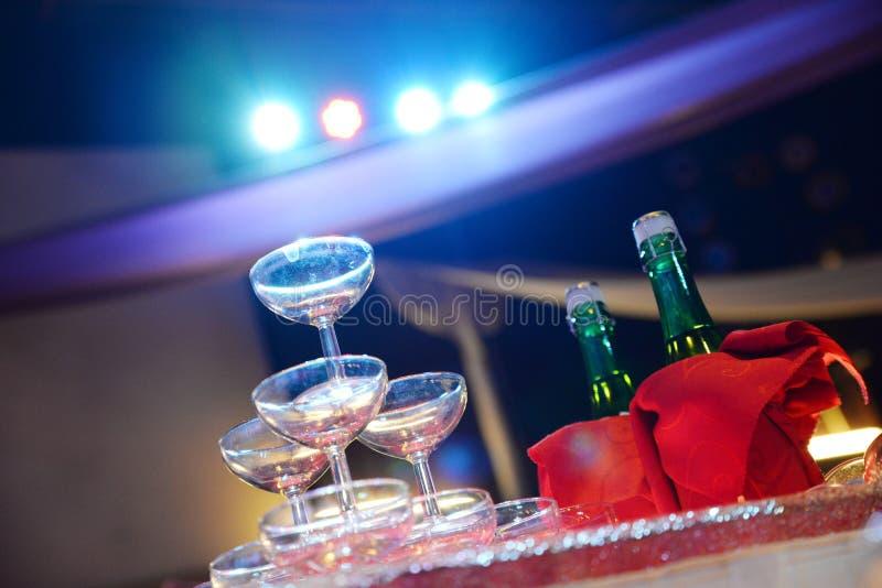 akcentuacyjnego koloru przyjęcia stylu fiołka ślub zdjęcie stock