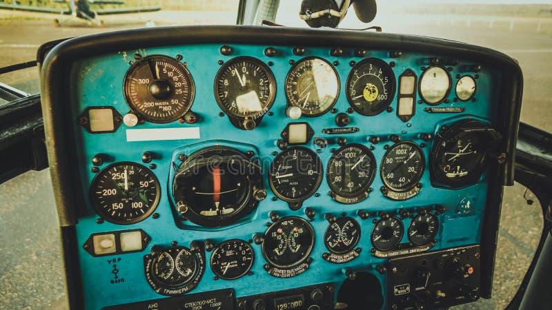 Akcesoryjny deski rozdzielczej kontroli samolotu Rosja lata transport obraz royalty free