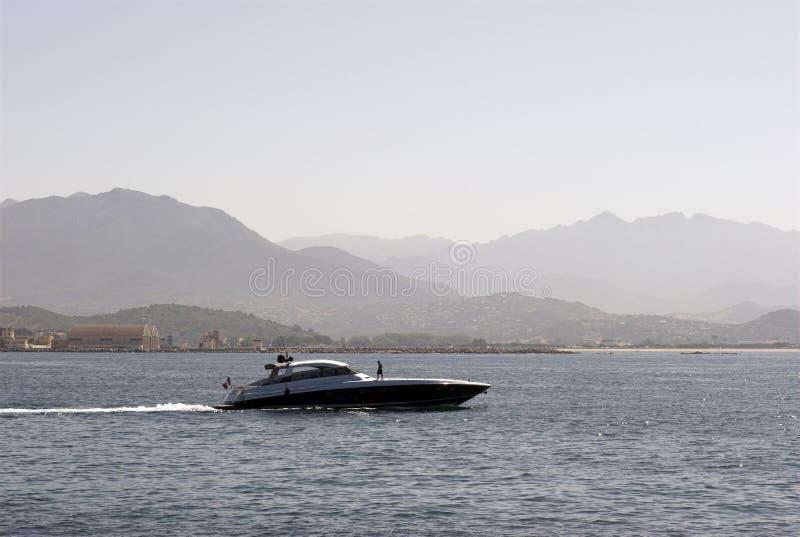 Akci łódź motorowa