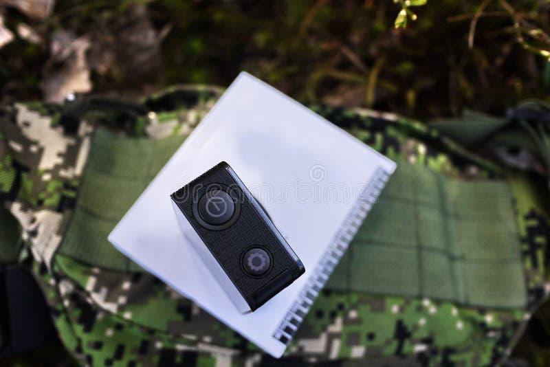Akcji kamera chwytać twój wideo Stosowny dla samochodowej podróży, sporty, pikowanie, fotografia stock