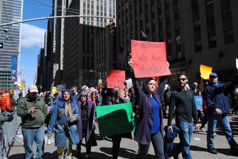 Akelei, School het Ontspruiten, Maart voor Ons Leven, Protest, NYC, NY, de V.S. stock afbeelding