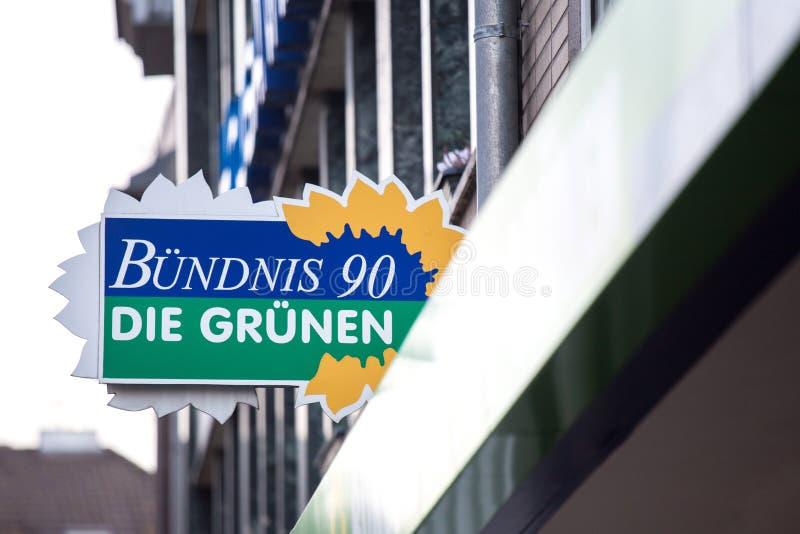 Aken, Noordrijn-Westfalen/Duitsland - 06 11 18: bà ¼ ndnis 90 matrijzengrã nen teken ¼ in Aken Duitsland royalty-vrije stock fotografie