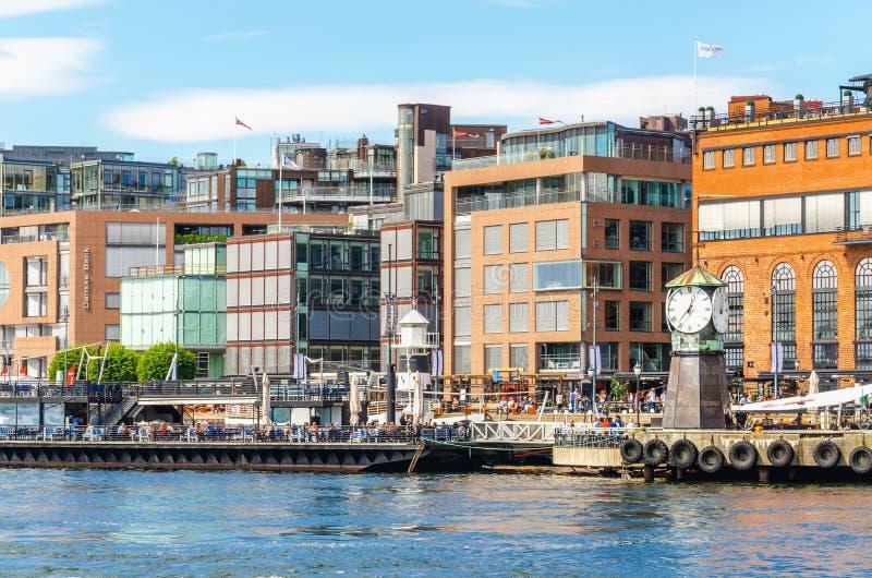 Aker Brygge dok - nowożytna część Oslo w Norwegia zdjęcie stock