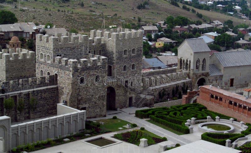 Akhaltsikhe stadfästning i Georgia i en molnig dag royaltyfri foto