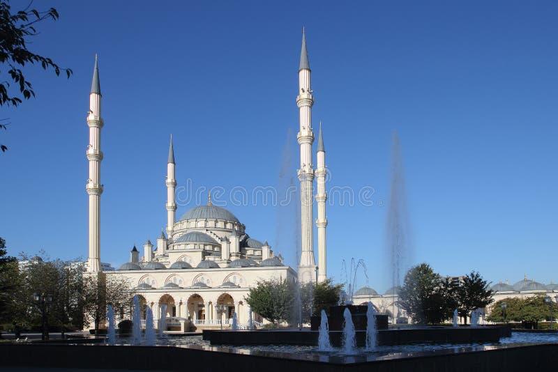 Akhmad Kadyrov Mosque in de stad van Grozny, Tchetchenië stock foto's