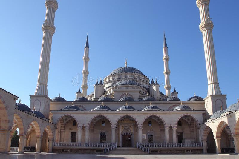 Akhmad Kadyrov Mosque in Grosny-Stadt, Tschetschenien stockbild