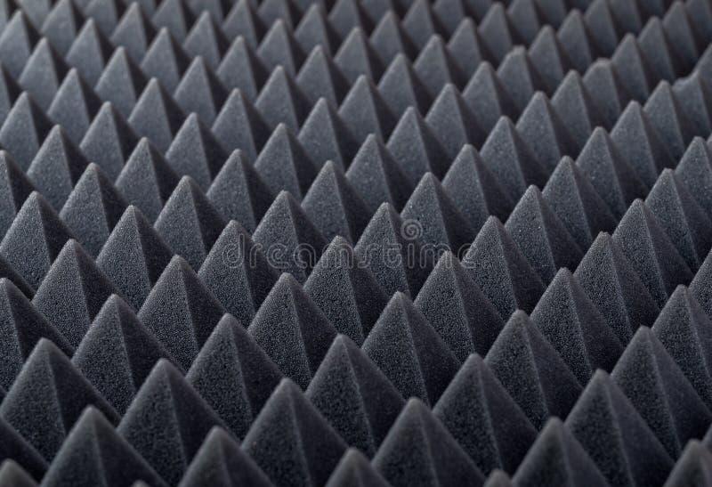 Akoestisch absorberend schuim voor studioopname Piramidevorm stock foto's