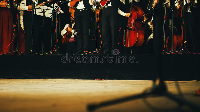 Akoestisch Orkest op Stadium stock afbeelding