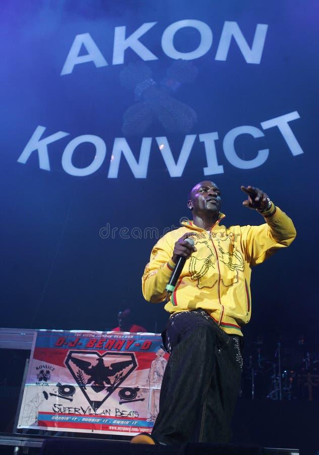 Akon exécute de concert image libre de droits